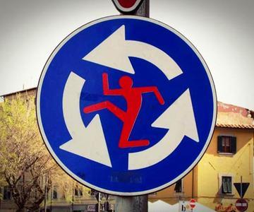 Listado de señales más extrañas que existen en el mundo
