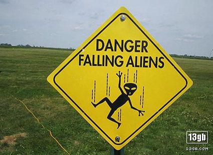 extraterrestres cayendo