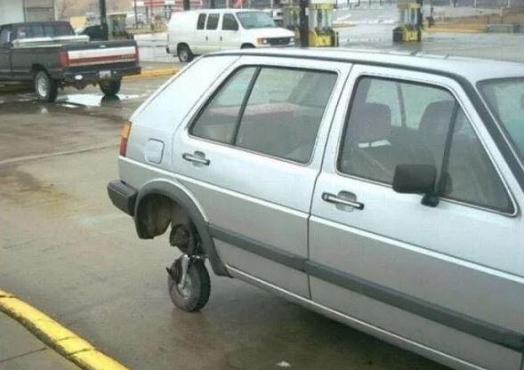 rueda repuesto coche pequeña