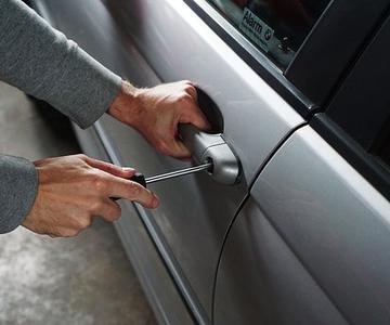 ¿Por qué los ladrones prefieren robar coches viejos?